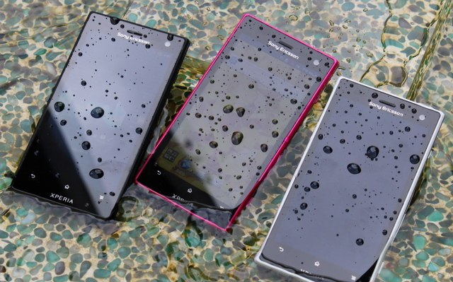 detailed look d956c 74d3a List of Waterproof Android Mobile Phones in the Market with Prices