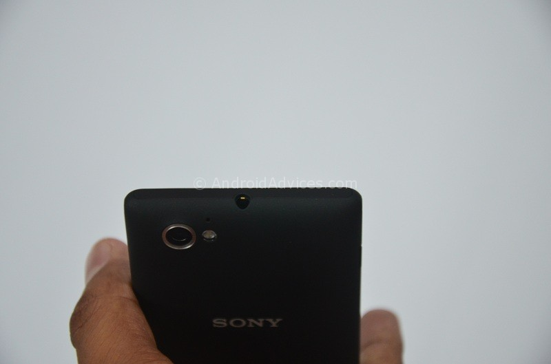 Sony Xperia M Top