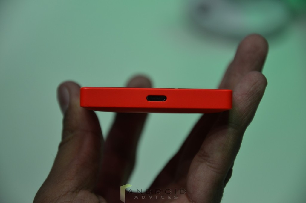 Nokia X X+ Phone Bottom