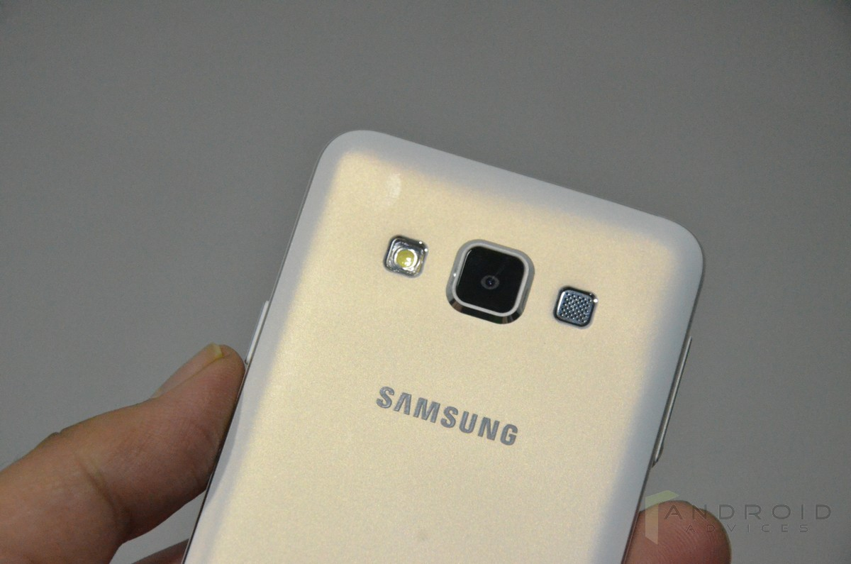 Samsung Galaxy A3 _ rear camera